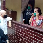 Британски амбасадор Филд и начелник Машић уручили помоћ старим лицима